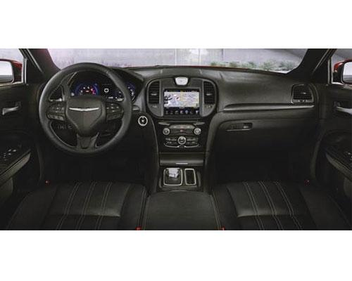 2018-Chrysler-300-interior