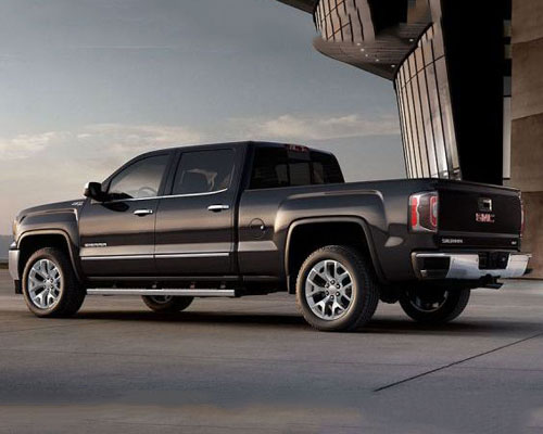 2018-GMC-Sierra-side