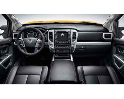 2018-Nissan-Frontier-interior