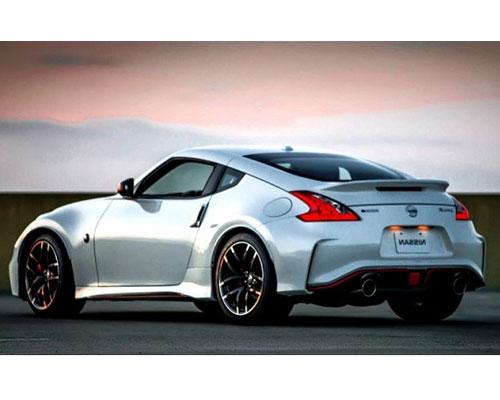 2018-Nissan-Z-back