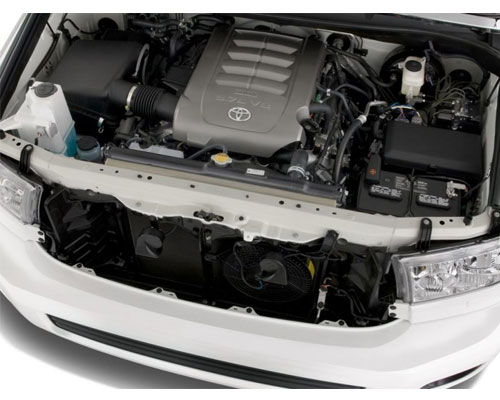 2018-Toyota-Sequoia-engine