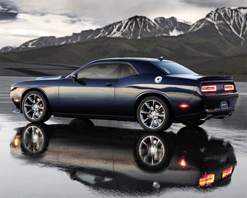 2018-dodge-challenger-side