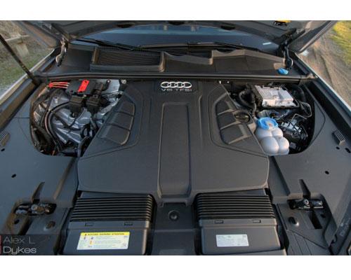 2017-Audi-Q7-engine