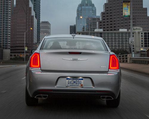 2017-Chrysler-300-back