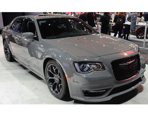 2017-Chrysler-300-features
