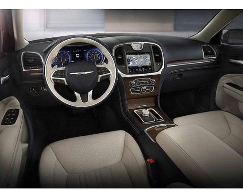 2017-Chrysler-300-interior