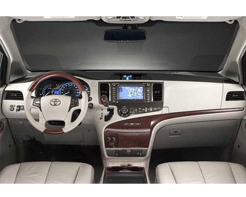 Toyota-Sienna-2018-interior
