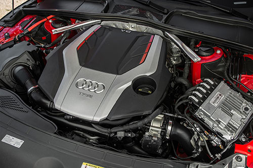 2018-Audi-RS5-engine