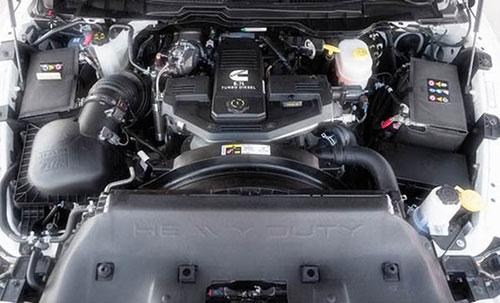 2018-Dodge-Ram-engine
