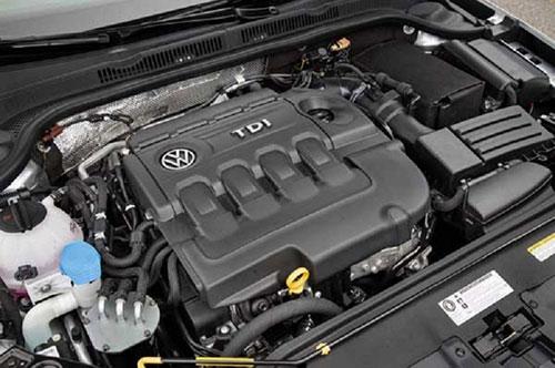 2018-Volkswagen-Jetta-engine