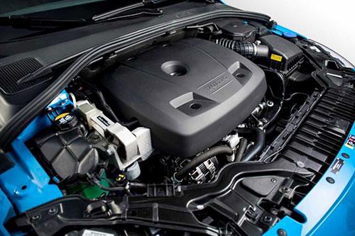 2018-Volvo-V60-engine