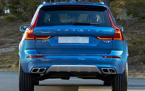 2018-Volvo-V60-rear