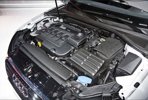 2018-Audi-Q8-engine