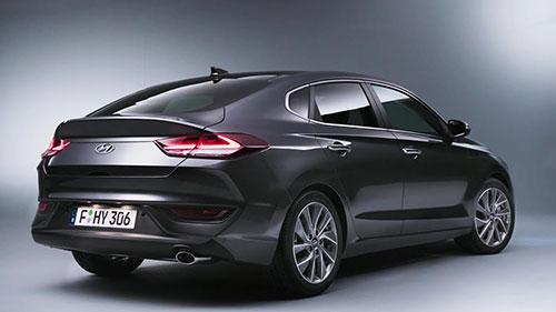 2018-Hyundai-i30-Fastback-back