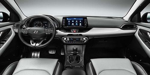 2018-Hyundai-i30-Fastback-interior