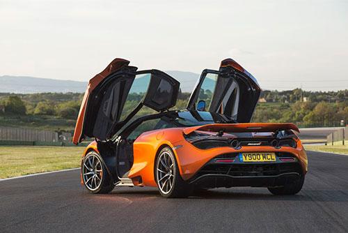 2018-McLaren-720S-back