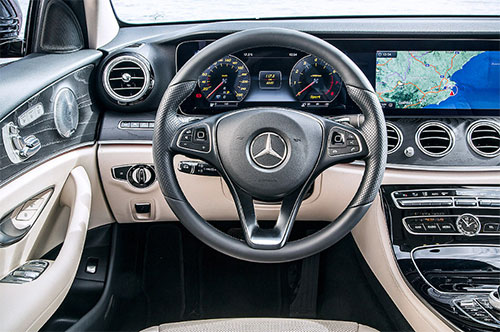 2019-Mercedes-GLB-interior