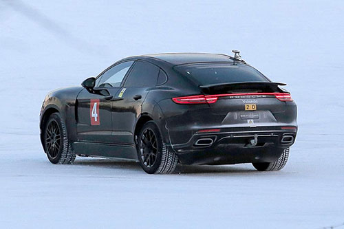 2019-Porsche-Cayenne-Coupe-back
