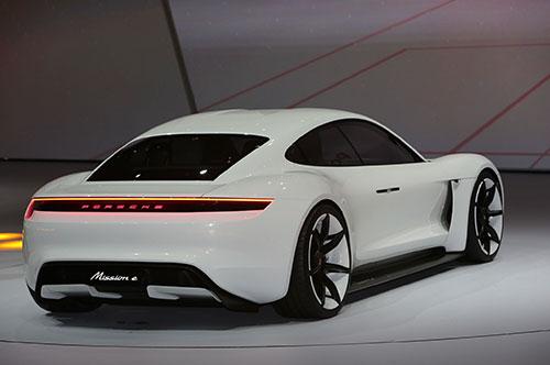 2019-Porsche-Mission-E-back