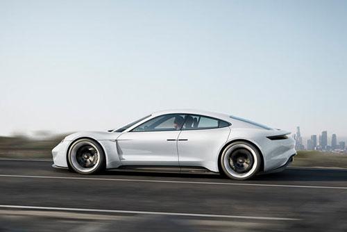 2019-Porsche-Mission-E-side