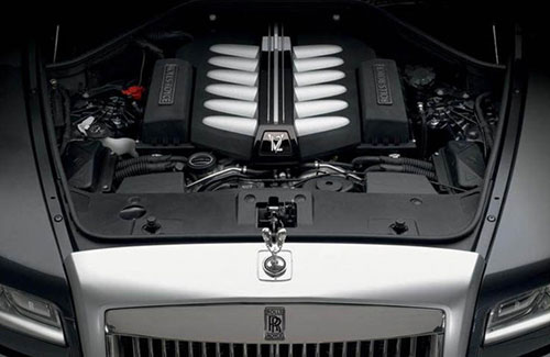 2019-Rolls-Royce-Cullinan-engine