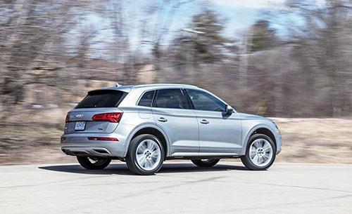 2018-Audi-Q5-side