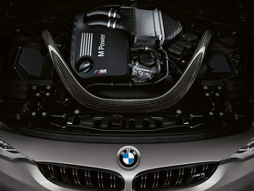 2018-BMW-M3-CS-engine