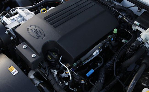 2018-Land-Rover-Defender-engine