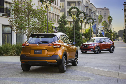 2018-Nissan-Kicks-back