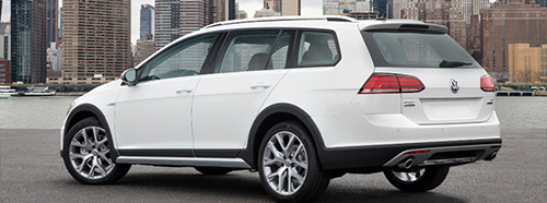 2018-Volkswagen-Golf-Alltrack-side