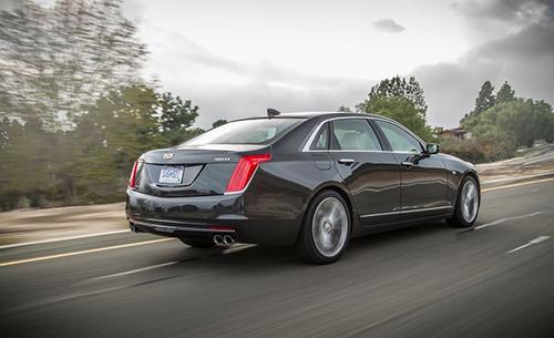 2019-Cadillac-CT8-back
