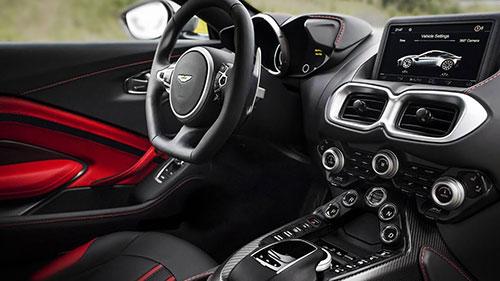 2018-Aston-Martin-Vantage-interior