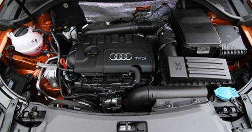 2018-Audi-Q3-engine