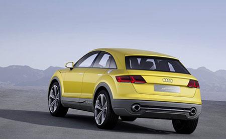 2019-Audi-Q4-back