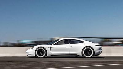 2020-Porsche-Taycan-side